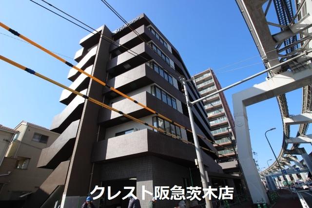 大阪府茨木市沢良宜西の賃貸マンションの外観