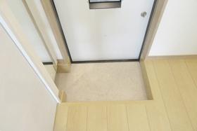 出入りのしやすい玄関スペースです♪