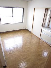 http://image.rentersnet.jp/d34e17eb-515a-4837-9507-b47f4aad520b_property_picture_961_large.jpg_cap_明るいリビング