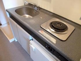 キッチンは一口電気コンロ付です