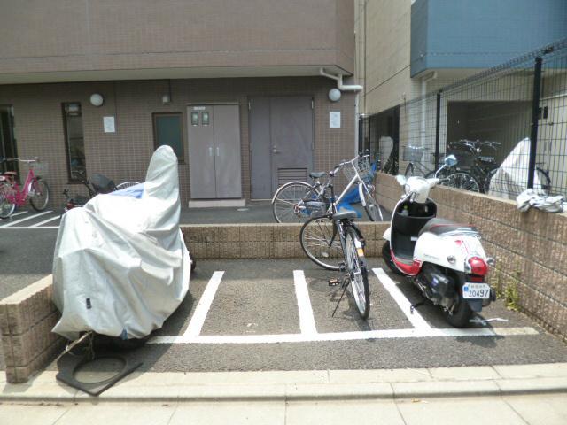 スカイコート都立家政EAST駐車場