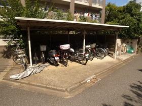 屋根付きの駐輪場☆