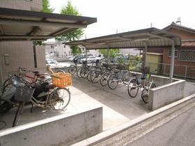 もちろん自転車置場もありますよ!