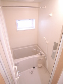 浴室乾燥機付のお風呂ですっ!