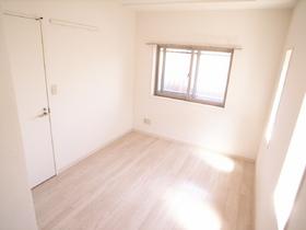 お部屋全体が白いので、清潔感がありますね