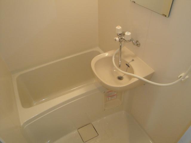 浴室乾燥機もついてます。
