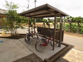 嬉しい屋根付き駐輪場
