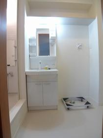 プレシャスウエスト�T 302号室