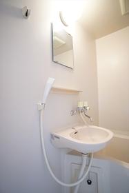 洗面台同室タイプの浴室です!