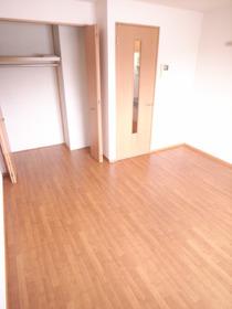 広々とした洋室が使いやすいお部屋です☆