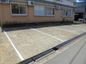 http://image.rentersnet.jp/de386d36-1f45-4654-b3c3-8d5f7fbd1bbc_property_picture_3186_large.jpg_cap_駐車場