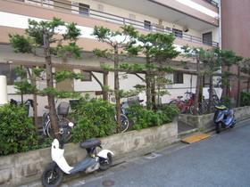 http://image.rentersnet.jp/deb50601dbe53148eacb6791cd6e47c9_property_picture_961_large.jpg_cap_自転車置場完備