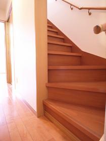 階段あると戸建みたいですね♪