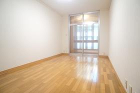 デシオ山王 102号室