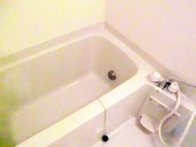 給湯付きの浴室でございます!