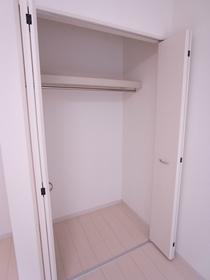 リブリ・エアポート 102号室