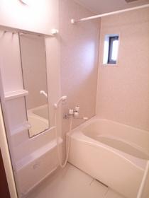 浴室に鏡があるのは嬉しいですね!