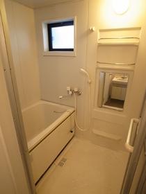 浴室便利な追炊き機能付き!!小窓もついてますよ