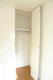プレシャス 302号室
