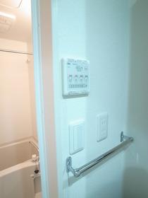 便利な浴室乾燥機能付きです☆