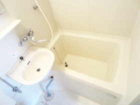 清潔感あるお風呂です