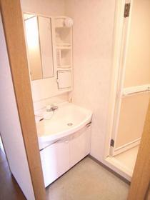 便利な独立洗面台&脱衣スペース♪