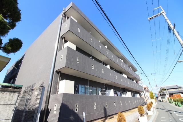 レジデンスジュメーラオアシス/鉄筋コン/3階建て
