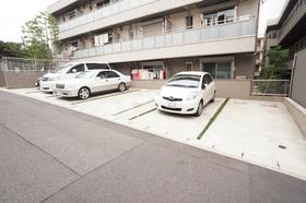 もちろん敷地内駐車場完備!