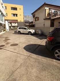 駐車場は平置きですよ!