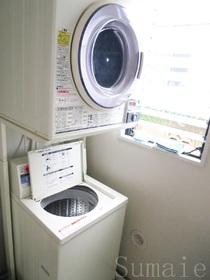 洗濯機と乾燥機も共同です♪