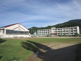 大洲市立久米小学校