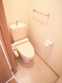 落ち着くスペースを確保したトイレです☆
