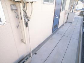 洗濯機置場は廊下です。