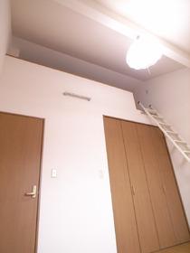 ロフトがあるので、天井高く開放感もあります!