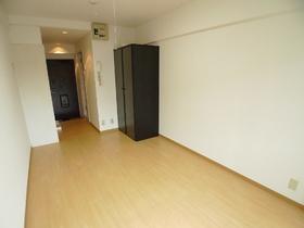 司ビルディング 706号室