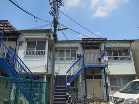 木造2階建のアパートです☆