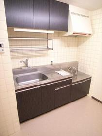 シックな木目調キッチン仕様です♪別のお部屋の写真です