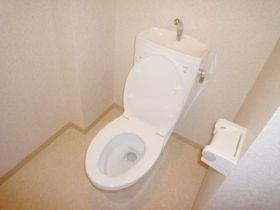 トイレ掃除は毎日しましょうね。