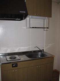 http://image.rentersnet.jp/f310f2a29bf24a106f4b7263b8ab3365_property_picture_953_large.jpg_cap_キッチン