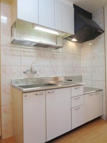 料理のしやすい広めのキッチン。2口ガスコンロ設置可能です