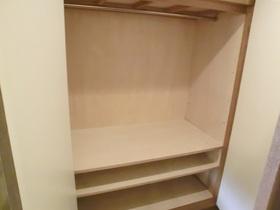 廊下部分にも収納スペースがあります!