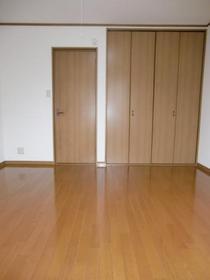 http://image.rentersnet.jp/f6575ff95a52d36f957b875a24a2837b_property_picture_2419_large.jpg_cap_居室