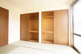 収納付の和室