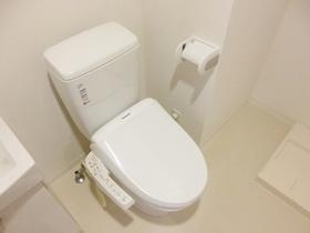 ウォシュレット付きのトイレです★