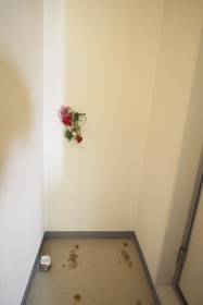 http://image.rentersnet.jp/f7d0dc6673c2d9c8d6b7869e9cfddd30_property_picture_955_large.jpg_cap_洗濯機置き場