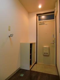 http://image.rentersnet.jp/f7d24025-85c3-4e78-aaff-70e4dc213f8e_property_picture_958_large.jpg_cap_玄関