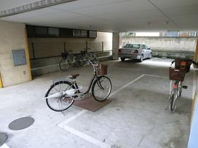 駐輪場広々です♪