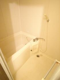 お風呂は給湯式!