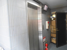 エレベーター付!