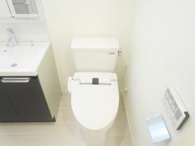 嬉しいウォシュレット付きのトイレです☆